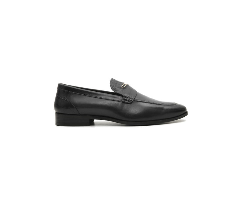Plain Black Loafers With Metal Embellishments