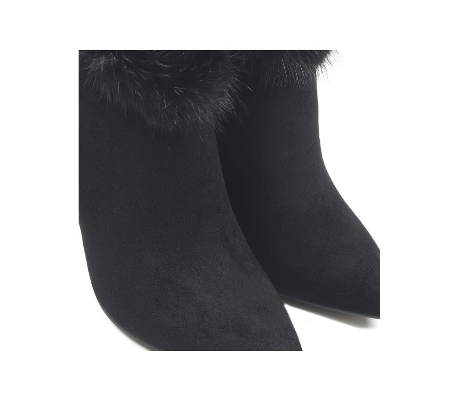 Pointed Toe Suede Boots