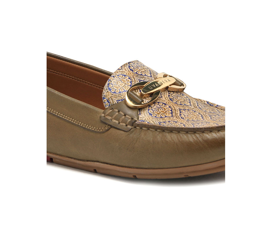 Women's driving shoe with paisley print - Olive
