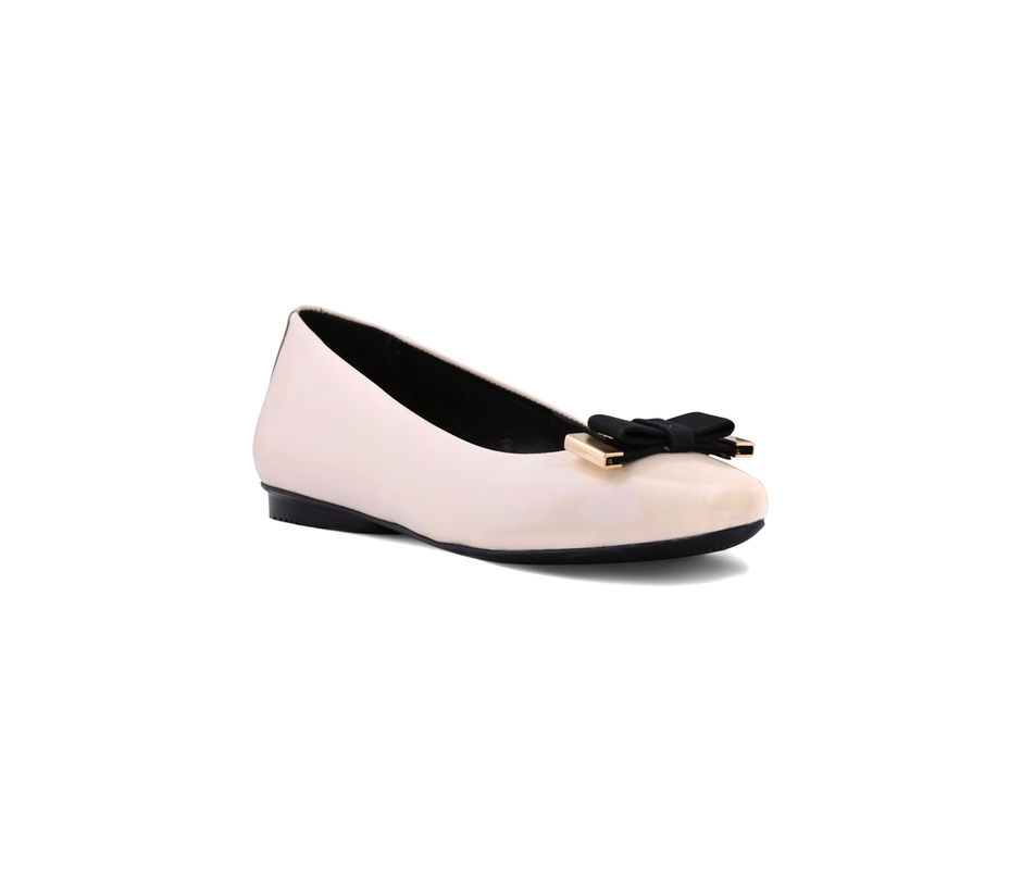 Off White Pointed Toe Shoes
